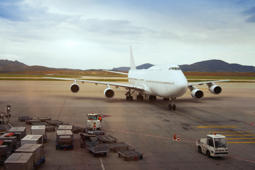 shutterstock_139179287-aircraft-cloudy-4